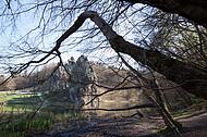 Externstein durch Bäume