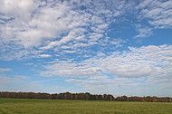 blauer Wolkenhimmel