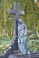 Trauernde Kupferfrau