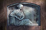 Grabstein mit Kupferrelief