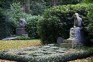 Große Grabfiguren