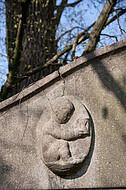 Grabstein mit Sanduhr