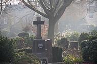 Großes Grabkreuz