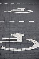 Behindertenparkplätze