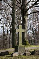 Steinkreuz vor Buchen